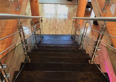 escalier de tiges et demi-verres